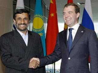 Медведев и Ахмадинежад подтвердили курс на развитие сотрудничества