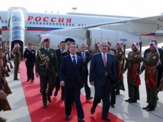 Президент России прибыл в Иорданию, где обсудит сотрудничество в ВТС и энергетике