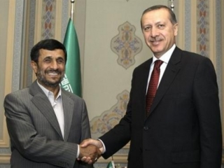 Эрдоган и Ахмадинежад вновь обсудили по телефону ситуацию в Ливане