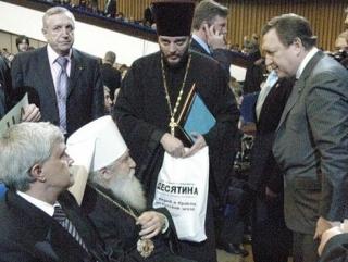 Священникам разрешили заниматься политикой
