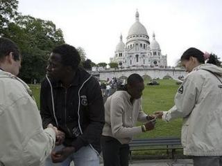 """Сенат Франции отклонил законопроект, деливший граждан на """"своих"""" и """"чужих"""""""