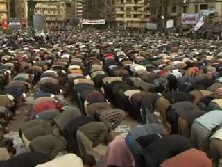 Более миллиона человек приняли участие в пятничном намазе на площади Тахрир