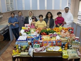 Кувейтцы вместо хлеба могут есть пирожные