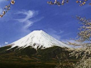 13 вулканов ожили после землетрясений в Японии