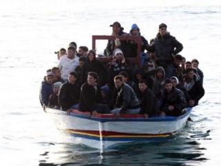 Итальянцы строят баррикады от мигрантов