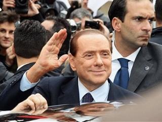Берлускони эвакуирует африканских беженцев с Лампедузы
