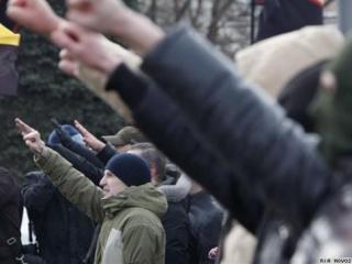 Запрещённым нацистам разрешили первомай в центре Питера