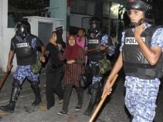 Население Мальдивских островов вышло на акции протеста