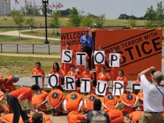 США пообещали больше не пытать узников Гуантанамо
