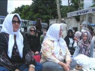 В Стамбуле проходят акции «Стать мусульманином на месяц»