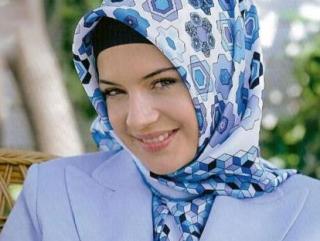 Глава Дагестана обещает не трогать хиджаб