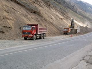 Привлекать на работу в Кыргызстане местных специалистов