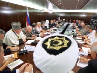 """В.Путин призвал """"не раскачивать"""" межнациональную обстановку"""