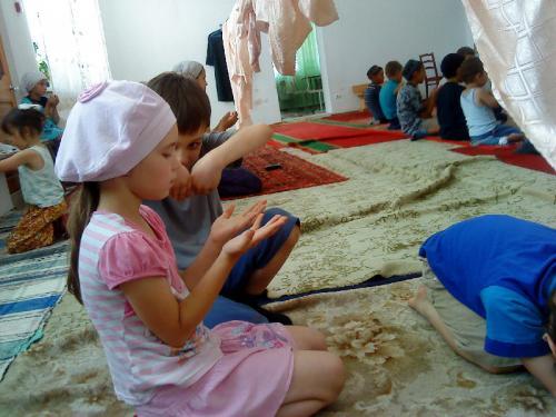На Урале завершила работу детская мусульманская площадка