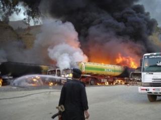 В Пакистане сожжены 10 бензовозов НАТО