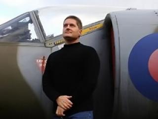 Декан академии британских военно-воздушных сил принял ислам