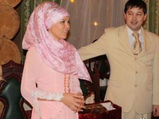 Сотую пару соединит мусульманский клуб знакомств