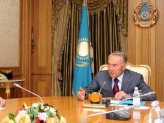 Назарбаев утвердил запрет на намаз в госучреждениях