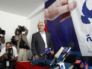 На выборах в Тунисе беспрецедентный наплыв избирателей