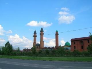 Мечеть Ярдям в Курбан-байрам всех принять не сможет