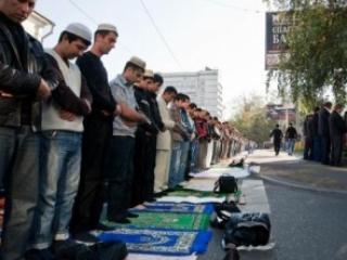 Мусульмане Москвы снова будут молиться на улице