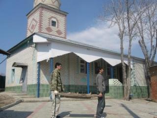 Медресе в здании старинной мечети открыло двери для учащихся