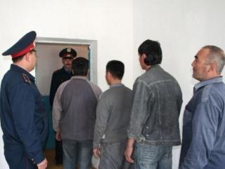 """""""Медицинские"""" меры против мигрантов из Таджикистана"""