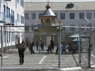 В Казахстане заключенных лишают мечетей и церквей