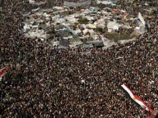 Египтяне вернулись на Тахрир, чтобы отстоять революцию