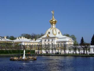 В Петербурге адаптацию мигрантов поставят на научные рельсы