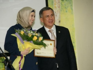 Татарская школа Москвы получила подарки от президента