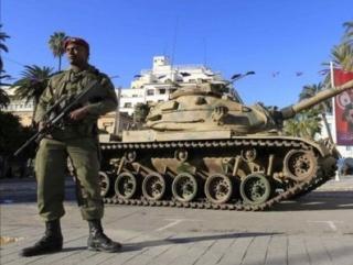 Тунис: режим ЧП продлен до конца года