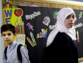 Немецкий суд запретил школьнику молиться в гимназии