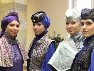 Правильно завязывать платки будут учить в Татарстане