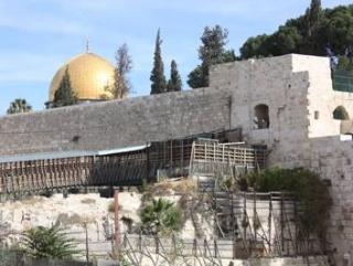 Израиль ограничил доступ в Аль-Аксу