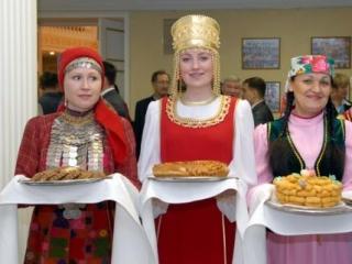В бедах России виноваты инородцы — 41% питерской молодёжи