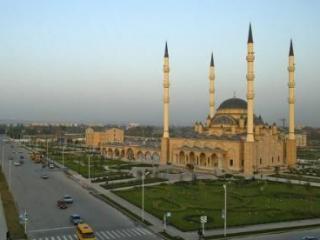 В Чечне широко отметили 20-тилетие местного муфтията