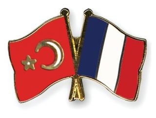 Турция призывает Францию не возвращаться в средневековье