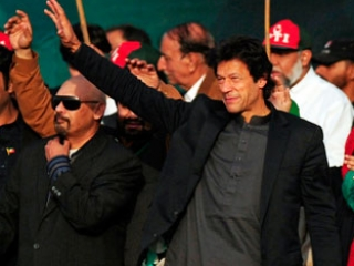 Пакистанская оппозиция проводит 100-тысячный митинг