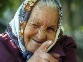 Что подарить бабушке