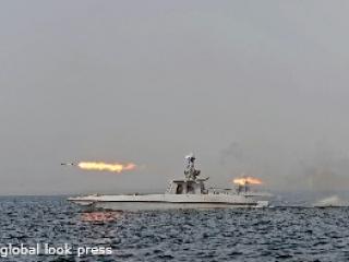 Иран отложил ракетные стрельбы в Ормузском проливе