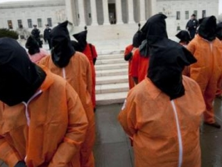 В США активисты манифестациями отметили 10-летие Гуантанамо