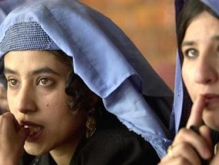 Х. Карзай: Нарушители прав женщин – враги ислама
