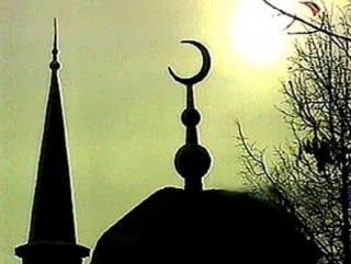 Молельную комнату для мусульман благословил священник