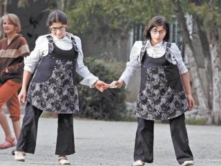 Рамзан Кадыров помог сиамским близнецам Зите и Гите