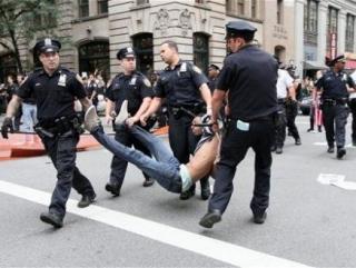 Америка выродилась в полицейское государство