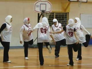 Правозащитники хотят сделать из саудовских женщин спортсменок