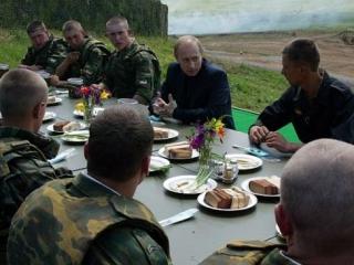 """По словам кандидата в президенты Россия, """"ни при каких условиях"""" не должна отказываться от потенциала стратегического сдерживания"""