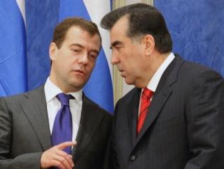 Медведев и Рахмон обсудили военно-техническое сотрудничество