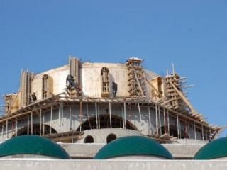 Глава Карачаево-Черкессии контролирует возведение Соборной мечети Черкеска